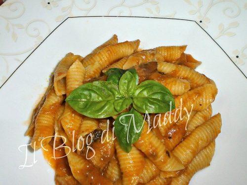 Pasta con Salsiccia e Melanzane